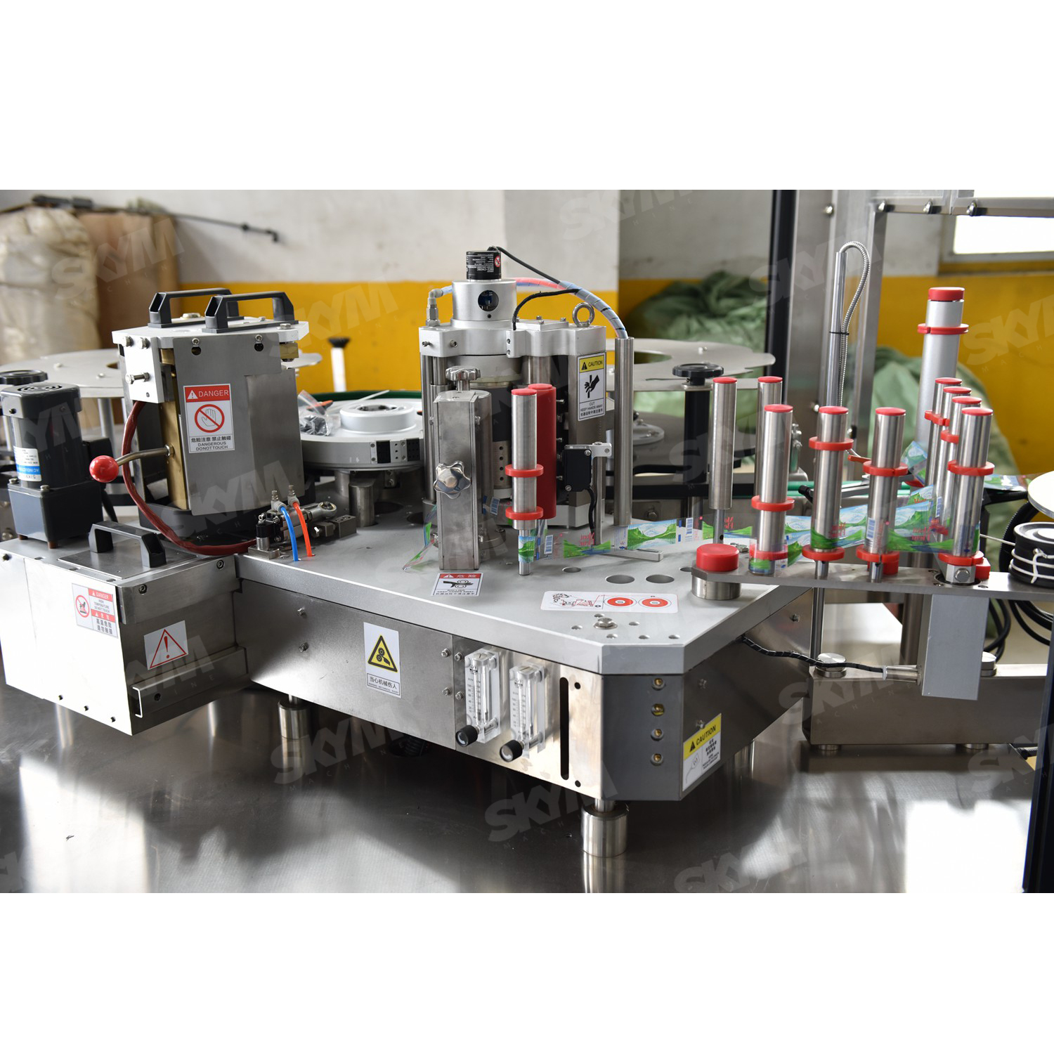 Linear Type Automatic OPP Hot Melt Labeling Machine